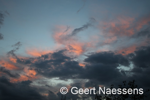 Eerst nog veel wolken en een bui, later meer zon
