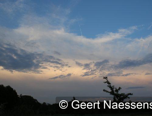 Veel wolken, koeler en kans op een lokale bui